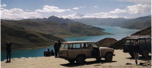 אגם מחוץ ללאסה בירת טיבט
